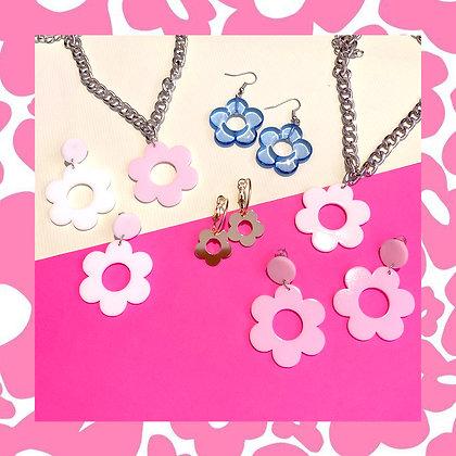 Flower Daisy Earrings / Choker