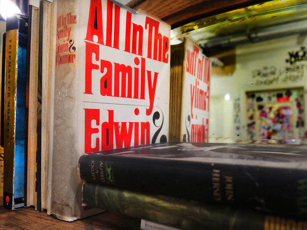 'all in da family', 2018 50/70cm archival pigment print 2200$+vat edition 1/5 +2AP