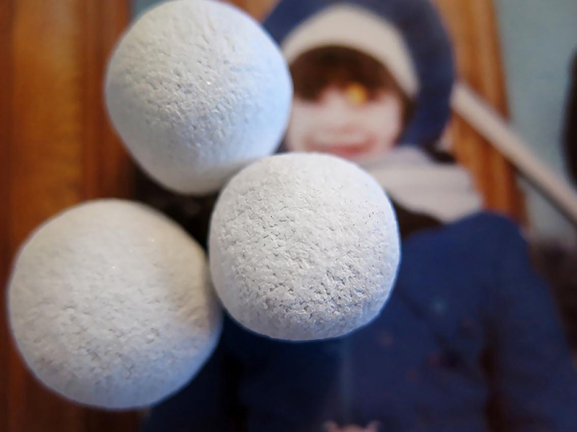 "Hard candy series. ""Snow balls #3"" Chomalux print 30/40cm, Edition 2/5 1100$+vat"