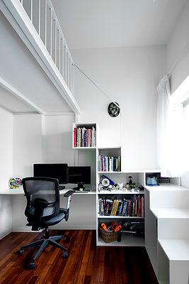 חדר עם מדרגות.jpg