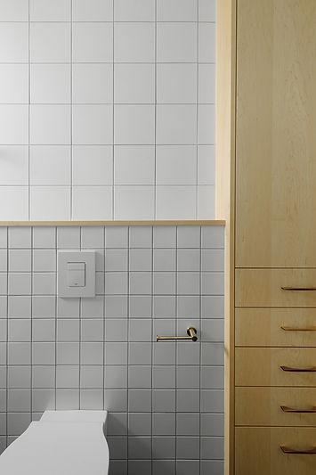 ארון אמבטיה.jpg