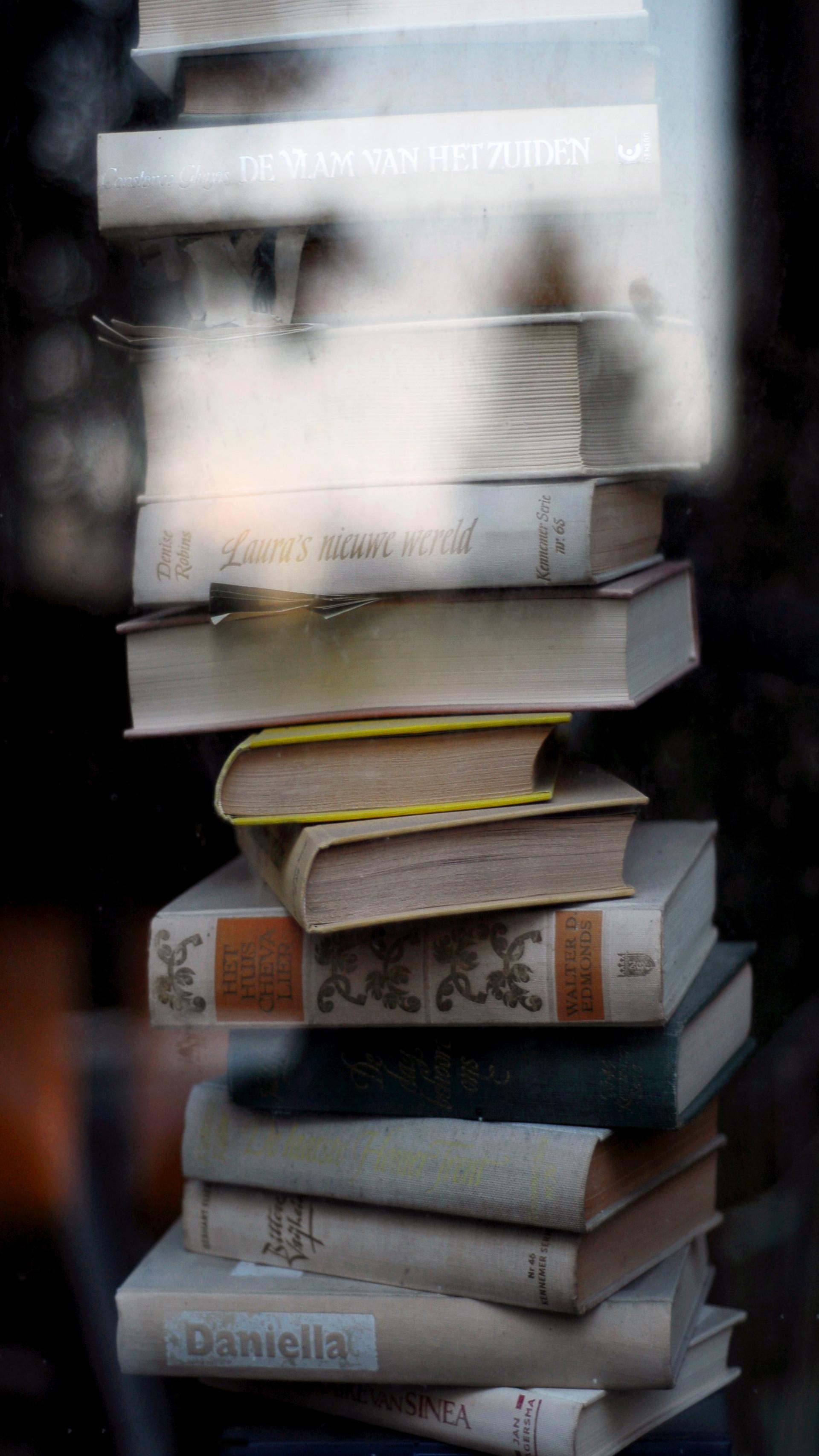 'ghost books', 2008 50/70cm archival pigment print 2200$+vat edition 6/7 +2AP