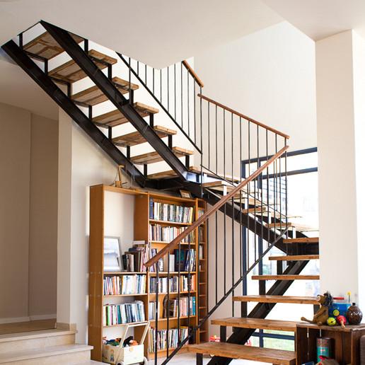 מדרגות ריבועי.jpg