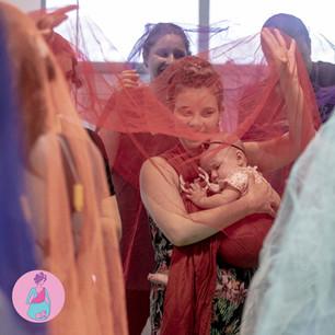 O sling e a Dança Materna