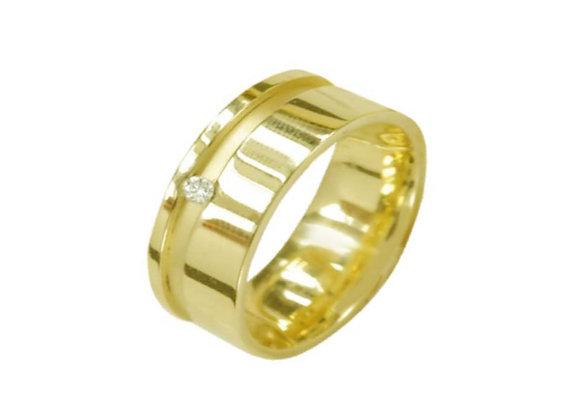 Aliança  ouro amarelo e brilhantes.