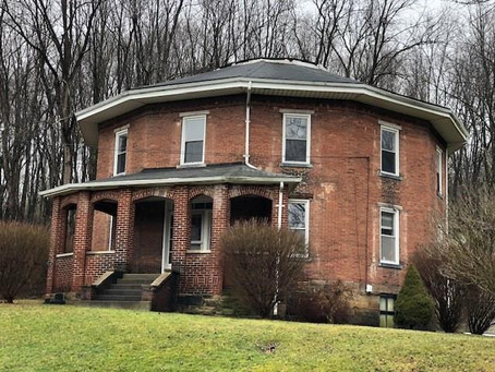 1850 PA Brick Octagon House With 4 Beds & 80 Acres Lists At $315,000. See Inside!