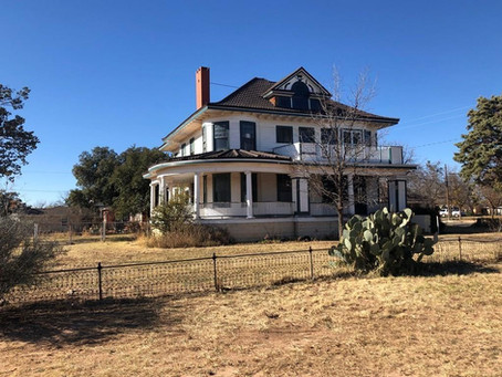 1909 Texas Clark Mansion With Original Embossed Leather Wainscoting Lists For Just $199,000