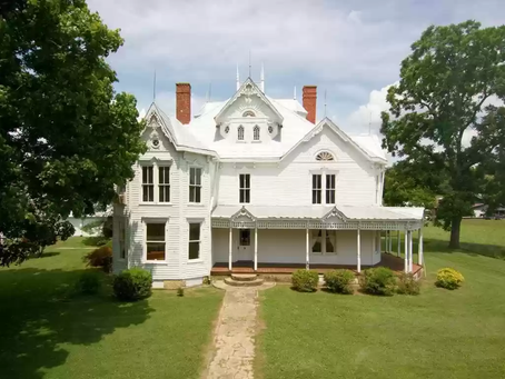 One Of Kentucky's Most Treasured Historic Properties With 7 Bedrooms Lists For Just $375K!