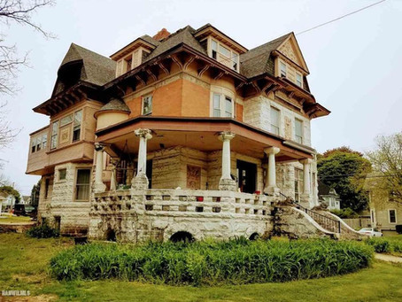 7 Bedroom Illinois Victorian With Original 1882 Interior Lists At Just $149K. See Inside!