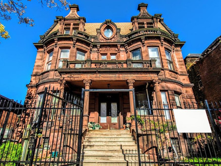 12 Bedroom Châteauesque Chicago Mansion With Original Woodwork & Built in Safe Lists at $599,877