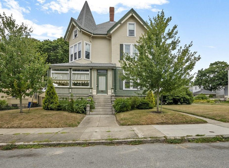 1887 Fall River House That Ax Murderer Lizzie Borden Called Home Lists For $890,000. See Inside!