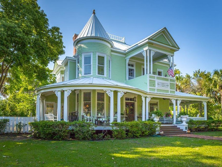 1895 Florida Queen Anne With 7 Fireplaces, Pool & Elevator Lists For $699K