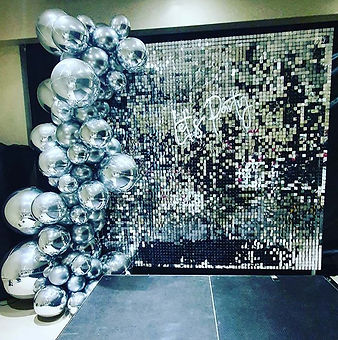 Our silver shimmer wall for samaras disc