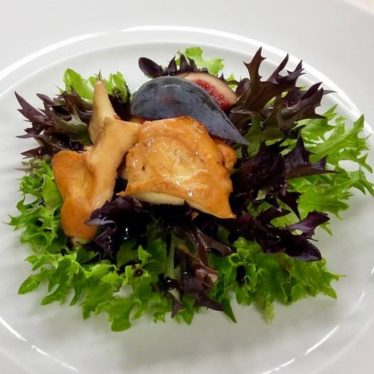 Salade de pieds de mouton et figue violette