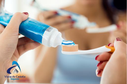 Cuidados com a higiene bucal