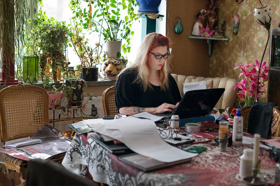 Bettie Blackheart organizes the Helsinki Burlesque Festival 2013