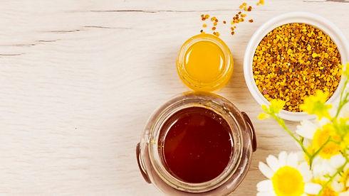beautiful-flower-with-honey-bee-pollen_2
