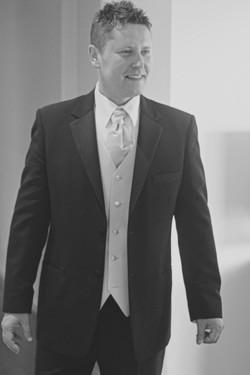 Noosa wedding groom in suit