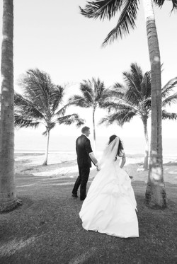 noosa beach bride and groom