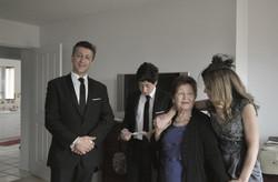 Noosa wedding guests posing