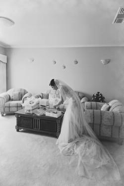 Noosa wedding bride and flowers