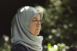 Noosa muslim wedding guest in hijab