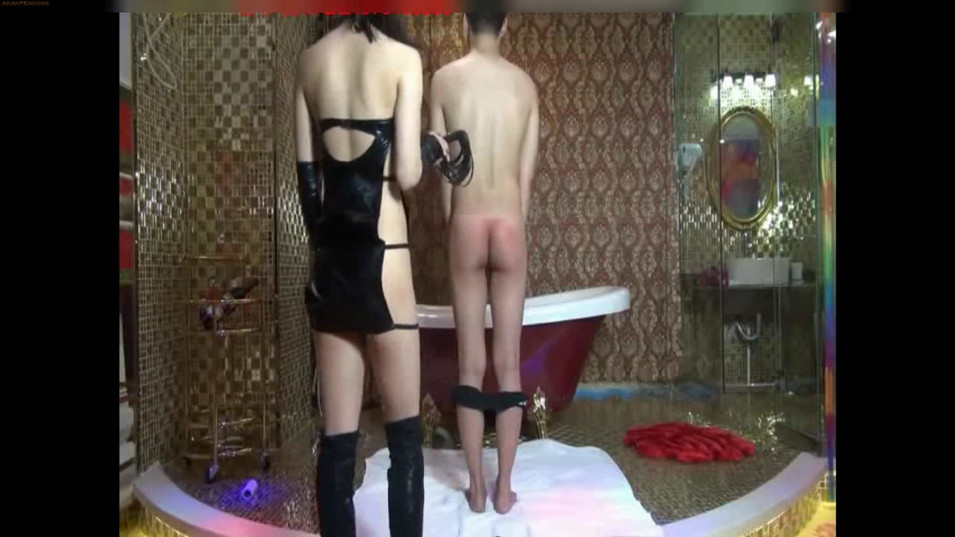 Dog Training by super sexy Chinese Goddess in Latex
