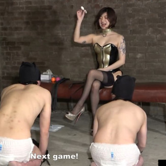 Japanese Goddess with perfect body training her 3 pathetic dogs 身材完美的日本女S训练三条低贱狗奴