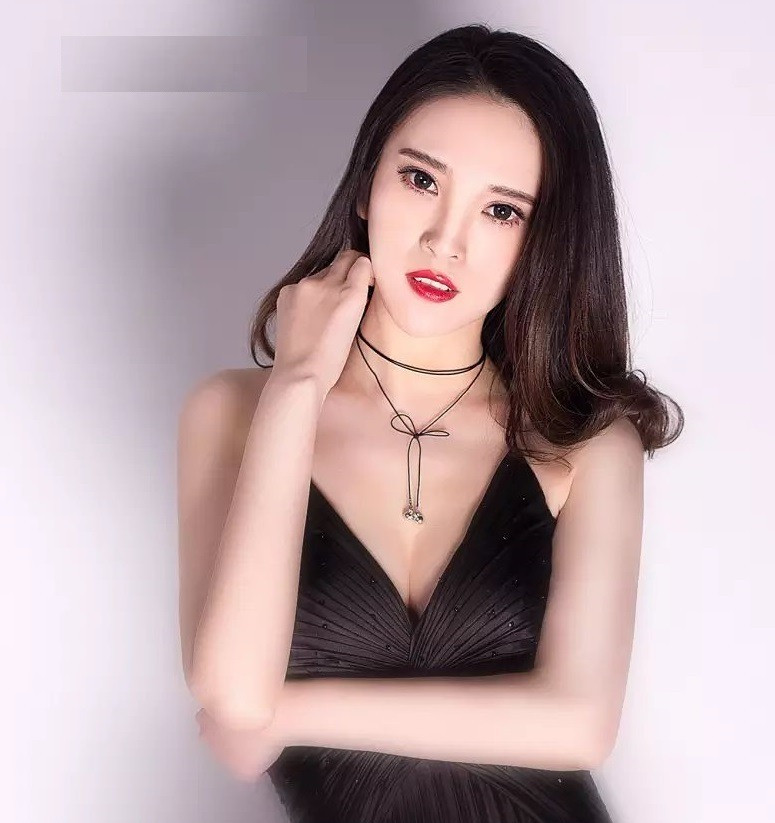 CNQueens - Do femdom queens brainwash their subs and slaves? - Chinese SM Femdom Resource, Worship beautiful Chinese women, gain access to Chinese SM Femdom videos, pictures and contact details of queens (dommes) all over China 全国女s女神女王SM调教资源,包括视频,照片和全国各地女王的联系方式