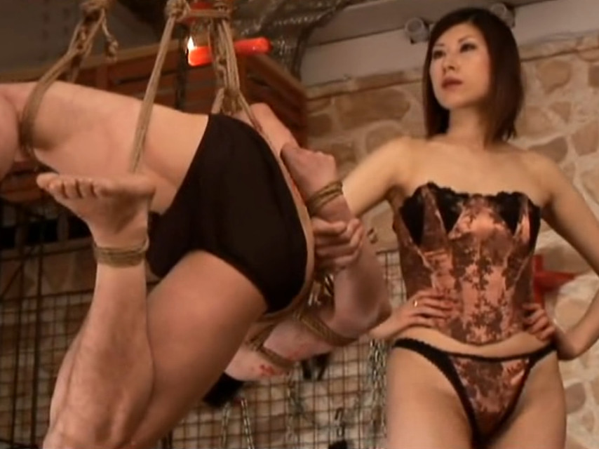 Hogtied & humiliated by hot yet strict Japanese Queen