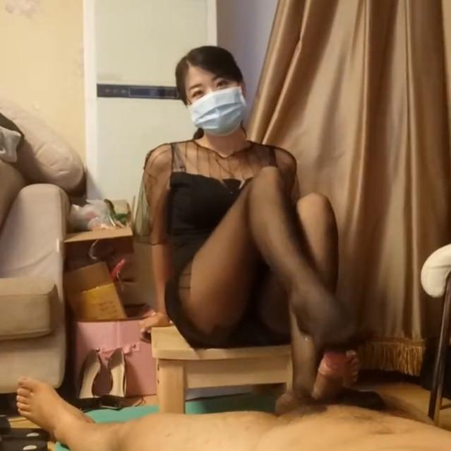 Unattainable fair skinned Chinese goddess gives loser sub a footjob