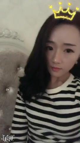 Mistress Yan Yan's long slender legs - Part 2