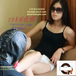 Tall Guangzhou Model Goddess gets sincerely worshipped by obedient slave 173cm的广州模特女王调教卑微的崇拜者