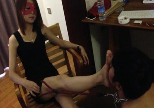 Sub worships Chinese goddess & rolls around like a dog to amuse her
