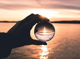 pexels-photo-940880 mini crystal ball.jp