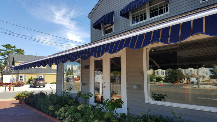 Vancouver  Retractable Awning