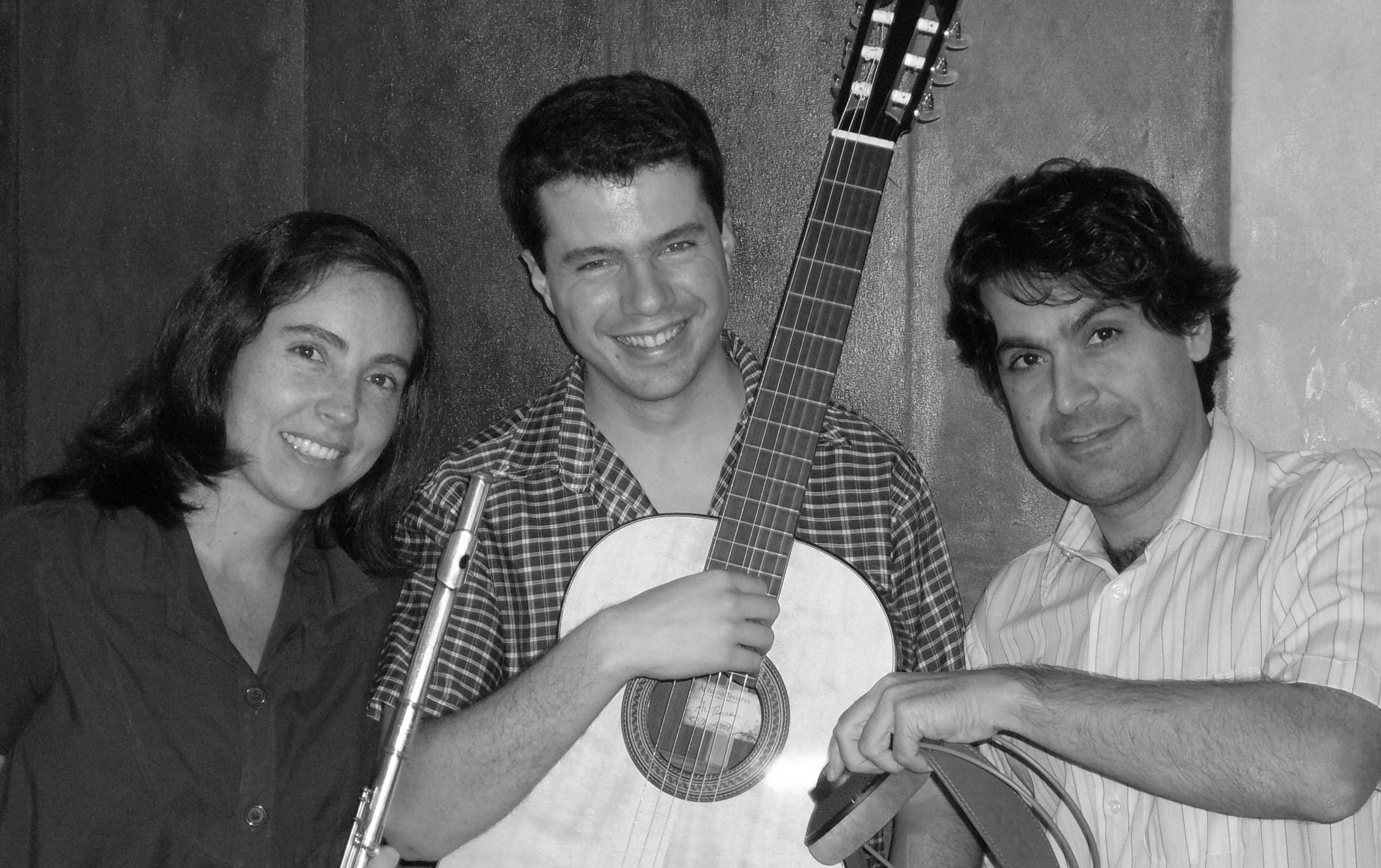 Trio Universos_divulgacao.jpg
