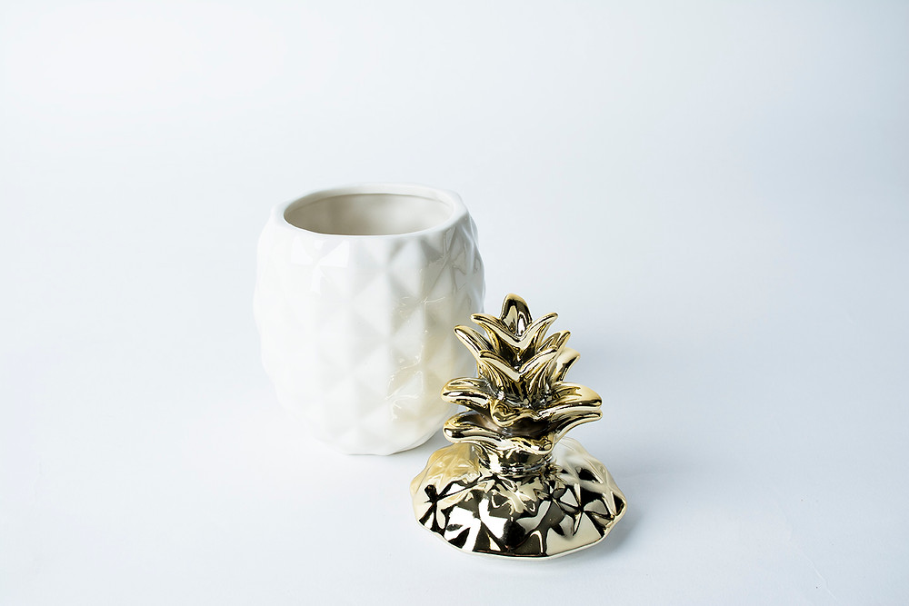 White and gold pineapple trinket pot