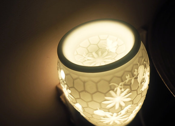 Bee Aroma Wall Plug-In Wax Melt and Oil Burner