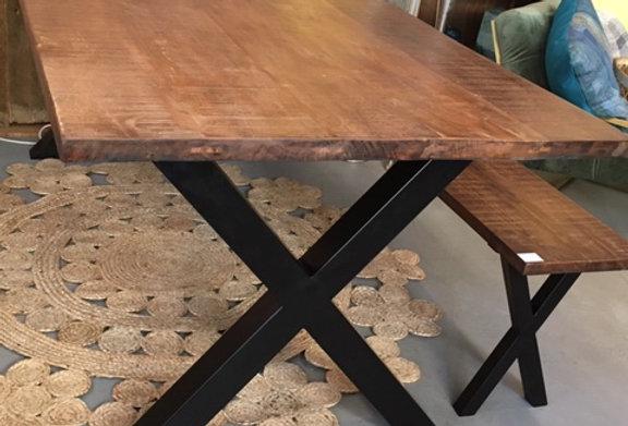 Tisch ausAltholz