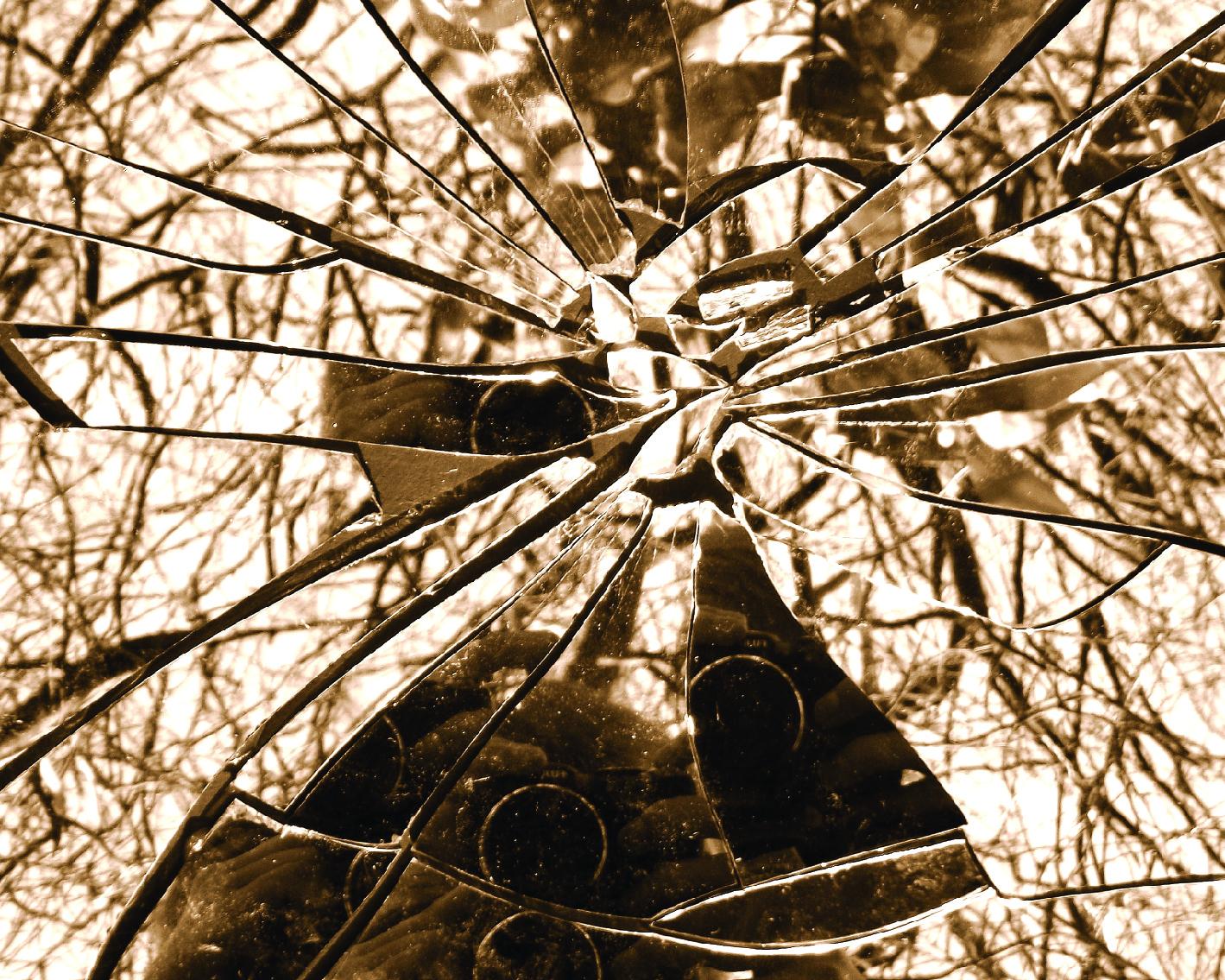 Broken Glass-01