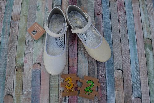 White Ballerina Size 32