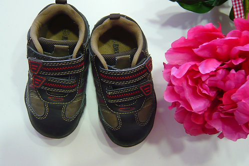 Sport Shoes Size 22