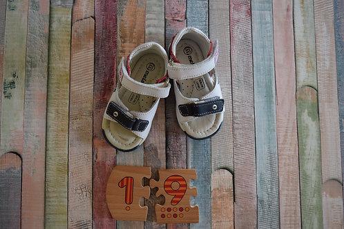 Melania Shoes Size 19