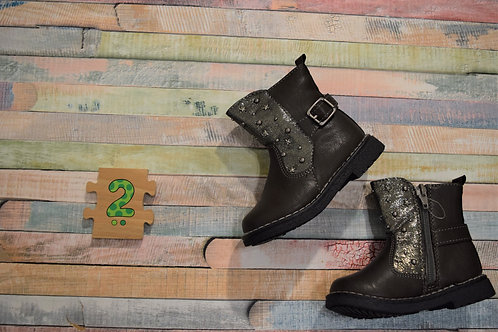 Grey Sparkly Boots Size 22