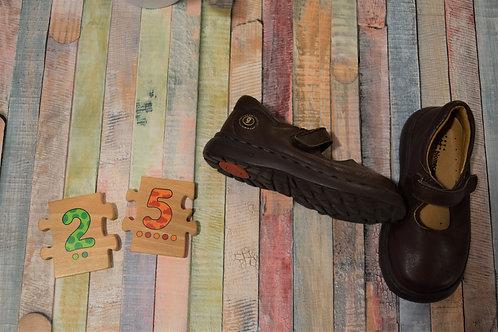 Biomecanics Brown Shoes Size 25