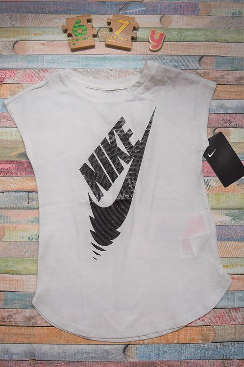 Nike Tshirt 6-7 Years Old