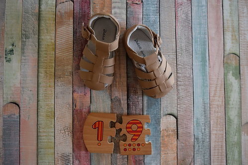 Brown Sandals Size 19