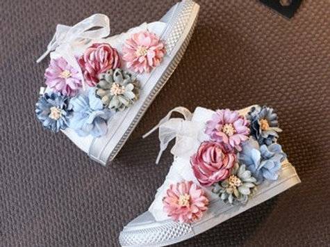 Converse Shoes With Flowers for Rock Girls -White