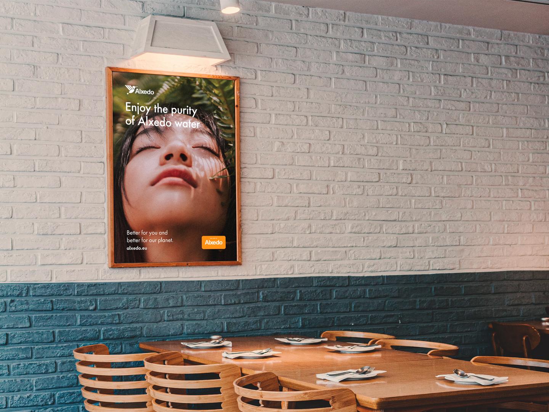 Alxedo in a Restaurant